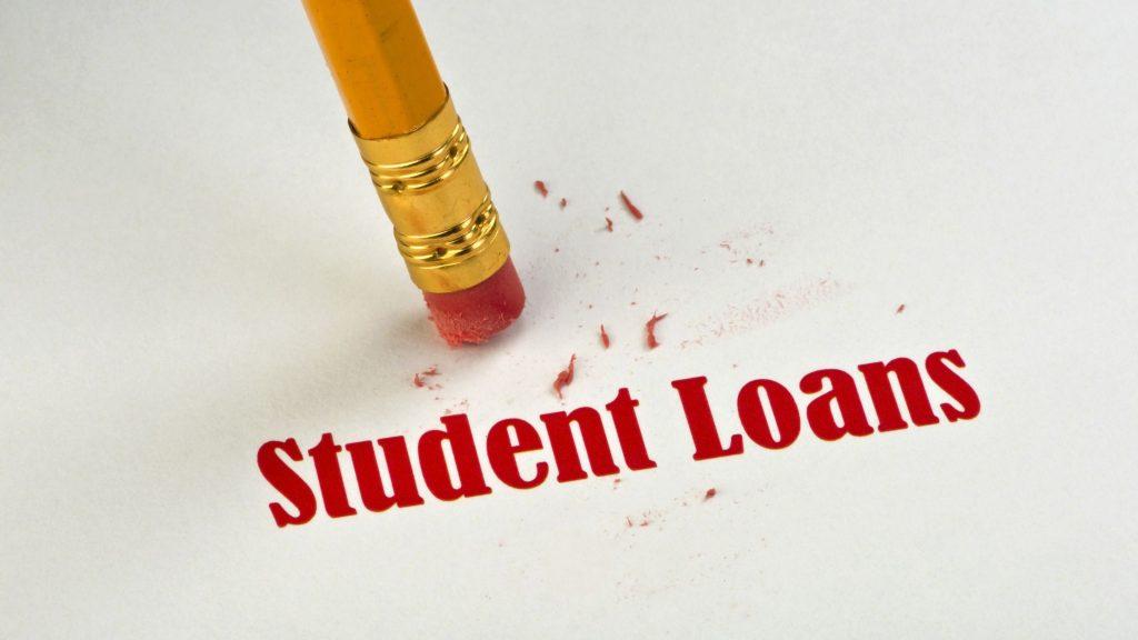635493545609408710-student-loans
