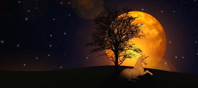 moon-1982890_640